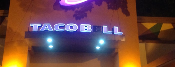 Taco Bell is one of Omar's Saved Places.