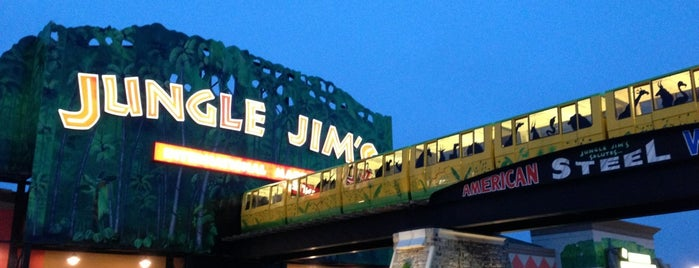Jungle Jim's International Market is one of Posti che sono piaciuti a John.