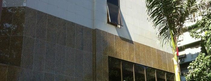 ibis Hotel is one of Rodrigo'nun Beğendiği Mekanlar.
