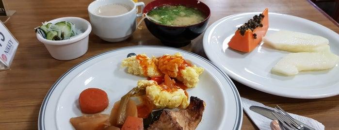 Restaurante Hotel Nikkey is one of Tempat yang Disukai Thiare.