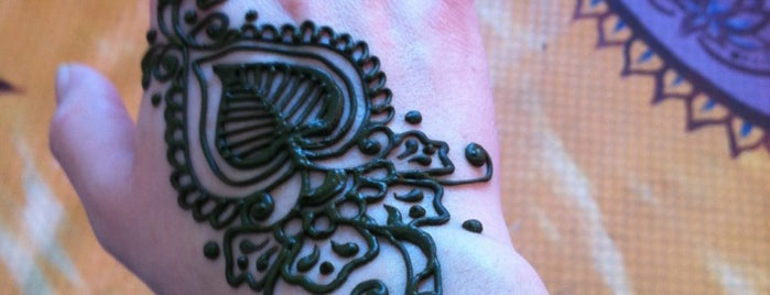 Magic Magpie Studio, Henna Art by Antoinette is one of See-attle.