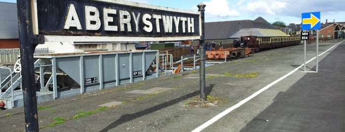 Aberystwyth Railway Station (AYW) is one of Lieux qui ont plu à Carl.