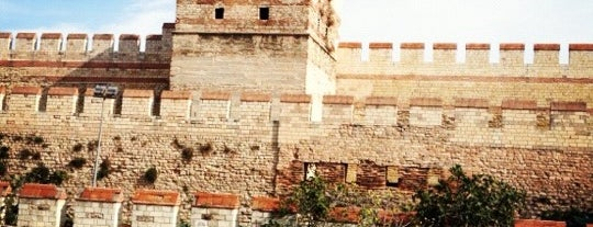 Yedikule is one of Locais curtidos por i.