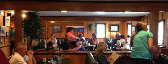 Michael D's Eatery is one of Gespeicherte Orte von Maggie.