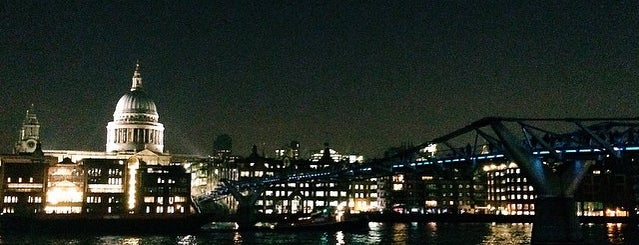 Millennium Bridge is one of สถานที่ที่ Natalie ถูกใจ.