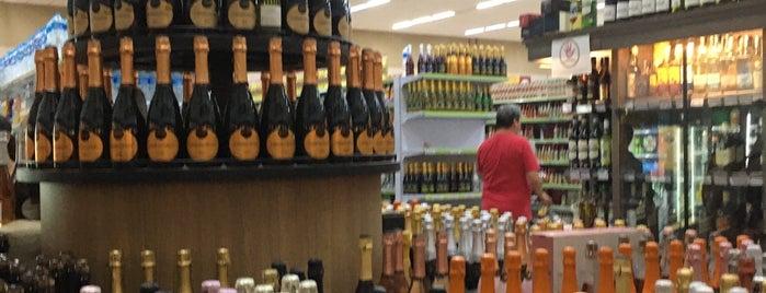 Supermercados Monteiro is one of Lieux qui ont plu à Mauricio.