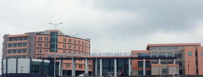 Balıkesir Üniversitesi Sağlık Araştırma ve Uygulama Hastanesi is one of Hakan'ın Beğendiği Mekanlar.