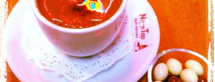 Nişantaşı Cafe is one of Posti che sono piaciuti a Tahsin.