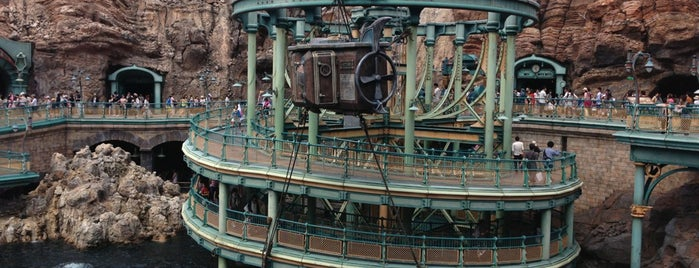 海底2万マイル is one of Tokyo Disney Sea.
