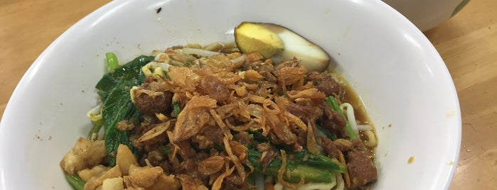 Mie Keriting Asiong is one of Medan culinary spot.