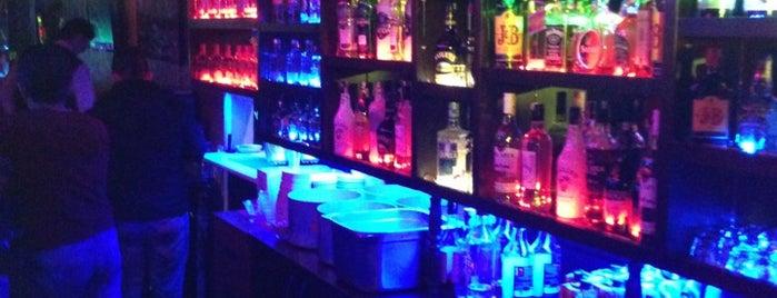 Fiesta Bar is one of Orte, die Beyaz gefallen.