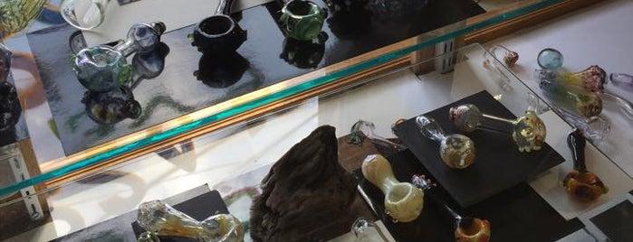 Evergreen Glass & Tattoo is one of Posti che sono piaciuti a Travel.