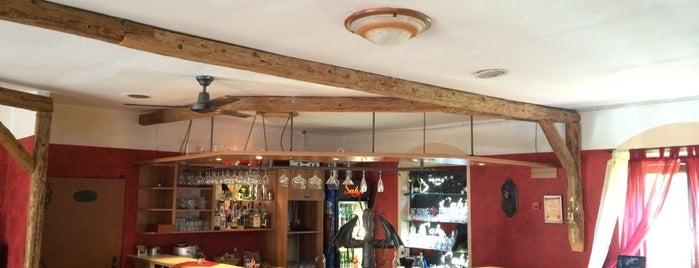Restaurace Sáhir is one of Posti che sono piaciuti a Vlada.