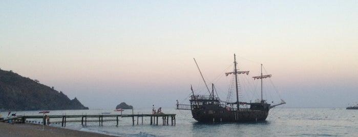 Pirates Beach Club is one of Doruk'un Beğendiği Mekanlar.