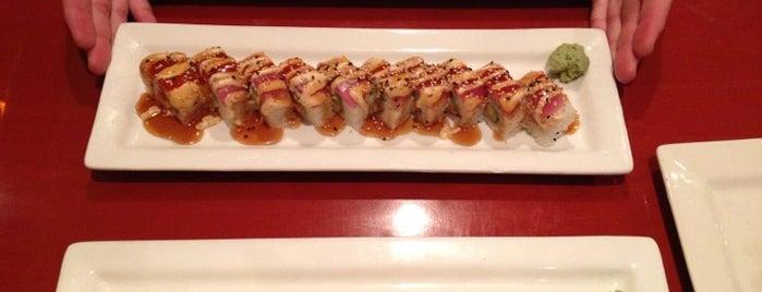 Jasmine Thai Cuisine & Sushi Bar is one of Locais curtidos por Channing.