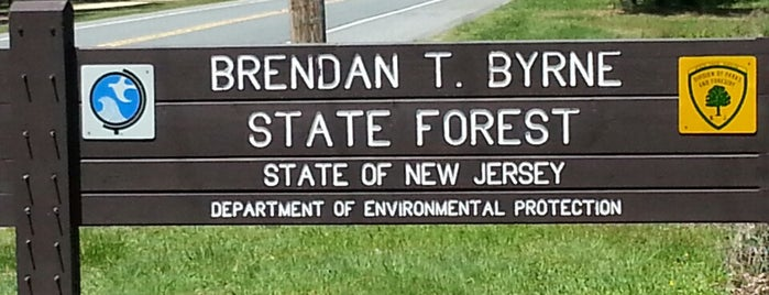 Brenden T. Byrne State Forest is one of AJさんのお気に入りスポット.