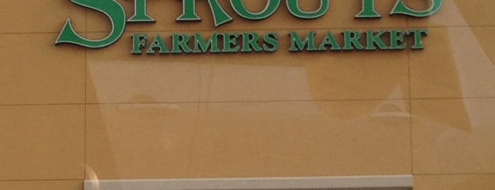 Sprouts Farmers Market is one of Tempat yang Disukai Kristen.