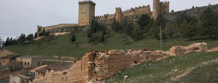 Castillo de Peñaranda de Duero is one of Lugares para visitar.