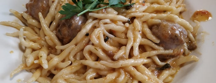Restaurante La Piemontesa is one of สถานที่ที่บันทึกไว้ของ Norwel.
