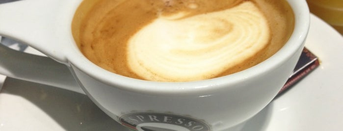 Espresso House is one of J.さんのお気に入りスポット.