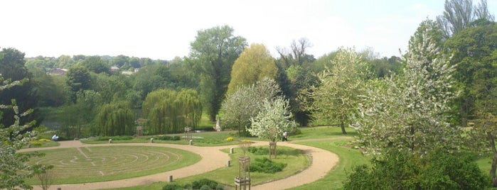 Wensum Park is one of Locais curtidos por Vishan.