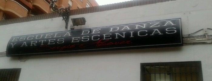 Escuela de Danza y Artes Escénicas Sergio Alcover is one of Frases.
