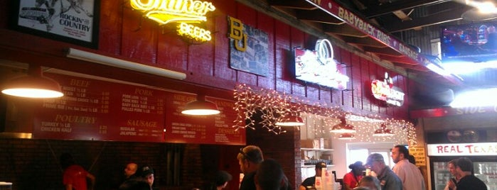 Rudy's Country Store & Bar-B-Q is one of Lugares favoritos de KATIE.