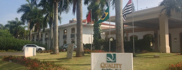 Quality Hotel & Convention Center Marília is one of Hotéis.