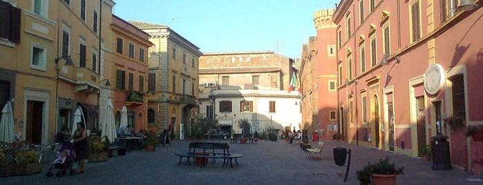 Piazza Aldo Moro is one of I luoghi della Tuscia Romana suggeriti da Roma&Più.