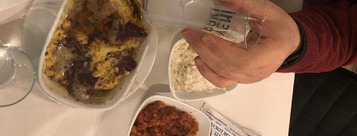 Martı restaurant is one of Hüseyin İlksenさんのお気に入りスポット.