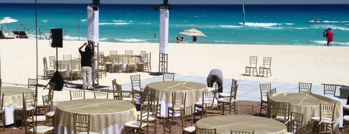 Water Grill is one of Cancun Gourmet Premium Members.