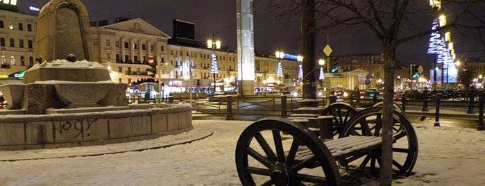 Sennaya Square is one of Top-20: Санкт-Петербург.
