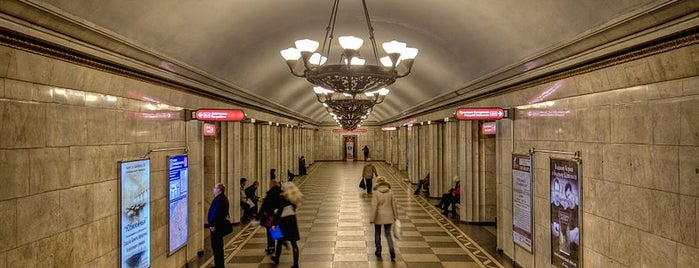 metro Vladimirskaya is one of สถานที่ที่บันทึกไว้ของ Bondareva.