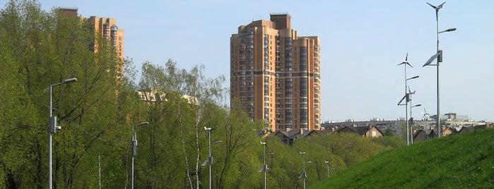 Природный заказник «Долина реки Сетунь» is one of Сады и парки Москвы.