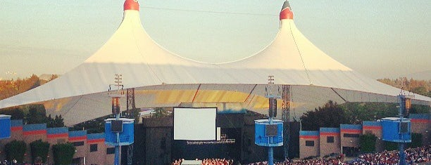 Shoreline Amphitheatre is one of Dominic 님이 좋아한 장소.