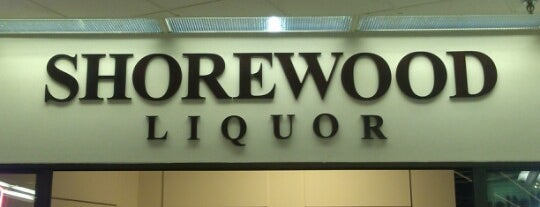 Shorewood Liquor is one of Posti che sono piaciuti a Erik.