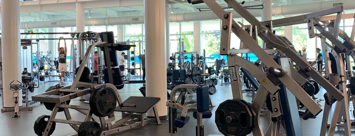 FIU Gym is one of Santiagoさんのお気に入りスポット.