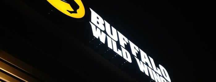 Buffalo Wild Wings is one of Mike : понравившиеся места.