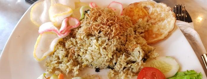 Kopi Oey is one of Cafe Favorit Teman2ku.