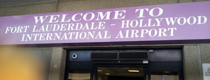 Fort Lauderdale-Hollywood International Airport (FLL) is one of สถานที่ที่บันทึกไว้ของ Monica.