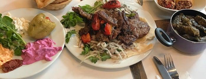 Meşhur Sivas Köftecisi Cafe - Restaurant Steakhouse is one of caglar'ın Beğendiği Mekanlar.