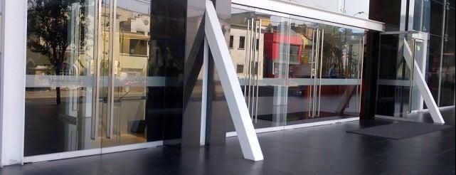 Centro Empresarial Juan de Arona is one of Perú 02.