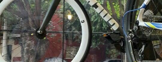 creadores de bicis is one of Lugares favoritos de Damon.