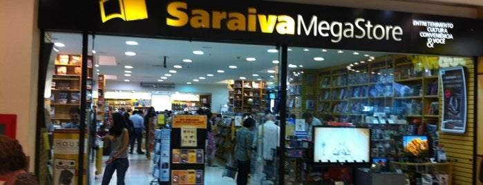 Saraiva MegaStore is one of Lugares guardados de Luciana.