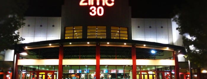 AMC Forum 30 is one of Orte, die Paula gefallen.