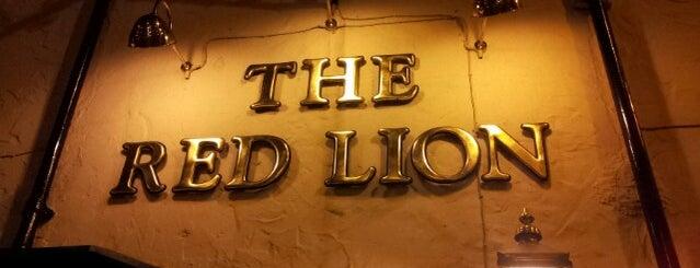 Red Lion, Stanstead Abbotts is one of Orte, die Jenny gefallen.