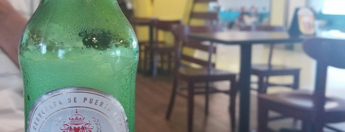 V Bar - aereopuerto is one of Locais curtidos por Georgie.