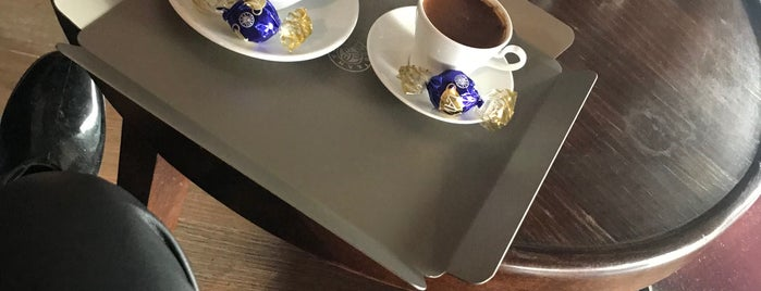 Kahve Dünyası is one of Aicha'nın Beğendiği Mekanlar.