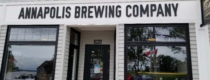 Annapolis Brewing Company is one of Tempat yang Disukai Stef.