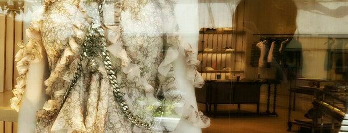 Alexander Mcqueen is one of İstanbul Shopping.